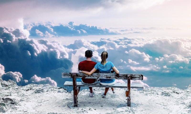 OneTwo singen von Wolken - (C) CDRC21 CC0 via Pixabay.com - https://pixabay.com/de/himmel-schnee-natur-im-freien-3258762/