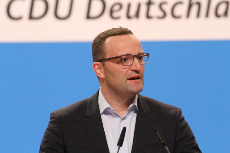 Jens Spahn auf dem CDU Bundesparteitag Dezember 2014 in Köln - By Olaf Kosinsky (Own work) [CC BY-SA 3.0 de (https://creativecommons.org/licenses/by-sa/3.0/de/deed.en)], via Wikimedia Commons