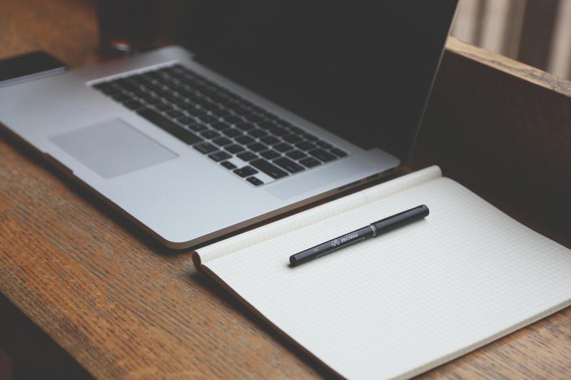 Zu Hause arbeiten: Bewegung muss sein - (C) StartupStockPhotos Pixabay-Lizenz - via Pixabay.com