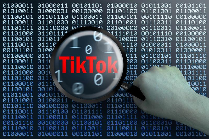 TikTok - (C) Christoph Scholz - via Flickr.com - CC BY-SA 2.0