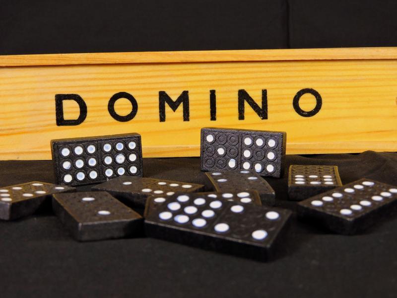 """35 Jahre """"Domino"""" von Genesis - Bild von Gianni Crestani auf Pixabay"""